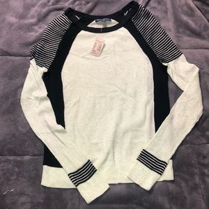 ❌women's American eagle sweater xs